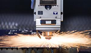 10.0mm铁板激光切割